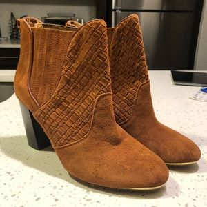 Shoes - NEW Elliot Lucca suede Weave Anke Boots 10